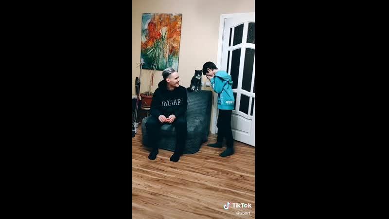 Реакция брата.. | #TikTok (видео приколы)