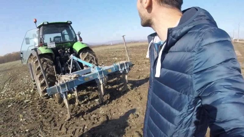 Приставы чуть не лишили фермера двух тракторов и двух комбайнов