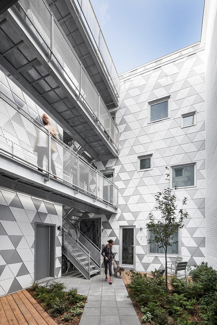 ADHOC's la géode in montreal includes a courtyard for housing optimization and fluidness