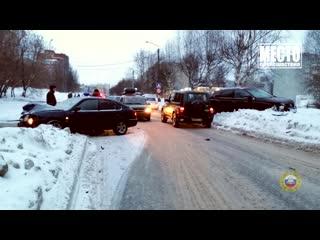 Обзор аварий. КИА сбил мужчину на Трактовой. 15.02.2019
