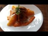 Куриный шницель в чили панировке с соусом паприка и тыквенно картофельными кне...