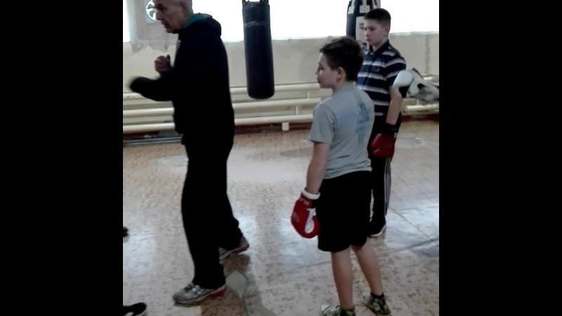 Занятия боксом для взрослых и детей 0973210001 бокскривойрог бокс секциябокса клуббокса секциябоксакривойрог боксдляновичк