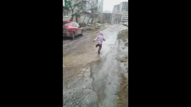 Детство - это всегда весело =))