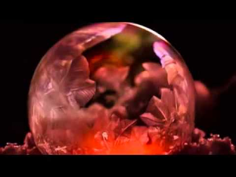 How to create your own snow globe: Soap bubbles blown in freezing temperatures