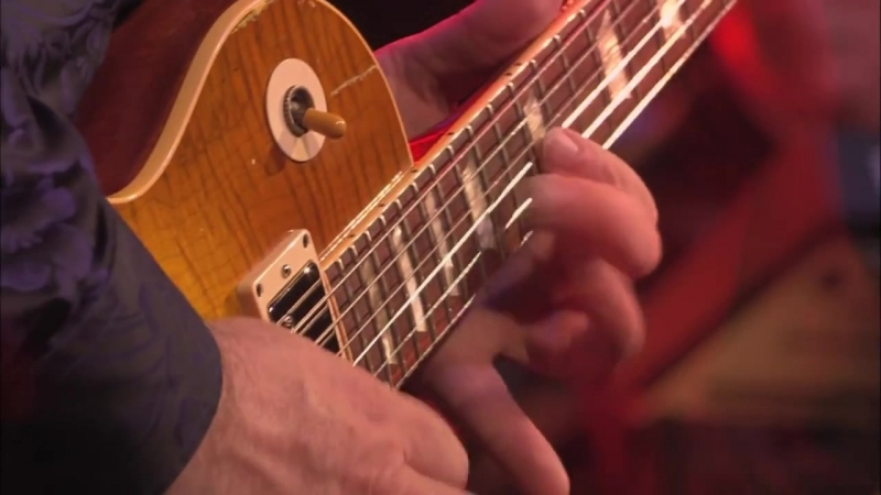 Gary Moore - Parisienne Walkways (Live Montreux 2010 HD)[1]