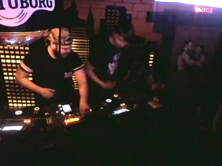 Настоящий ди-джейский СКИЛЛ у тебя в клубе by Casual Punk