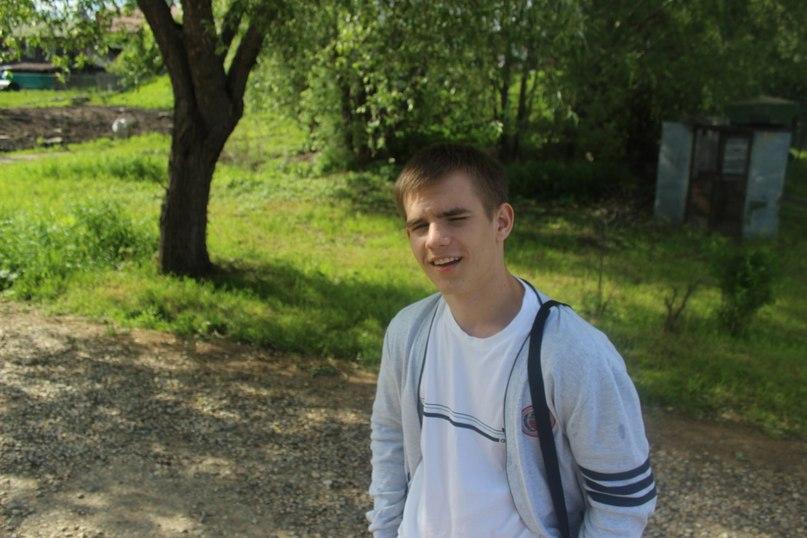 Влад Лисовский  