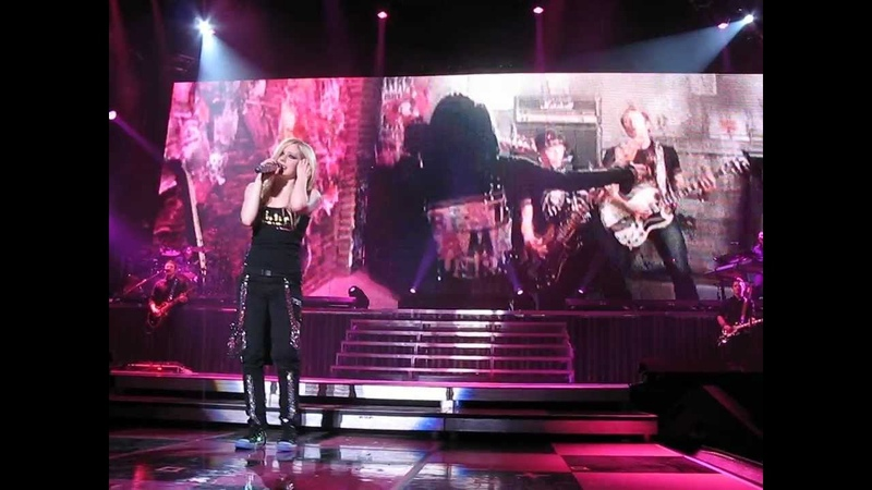Avril Lavigne - The Best Damn Thing @ Live in (Kelowna, Canada) 09/03/2008