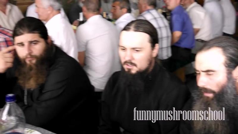 ДИНЬ, ДИНЬ КОЛОКОЛЬНЫЙ ЗВОН, исполняют братья монастыря святого ИЛЬИ, МОЛДОВА