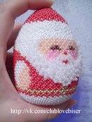 Дед Мороз идет живой.  - Ну и дедушка Мороз.  Что за щеки, что за нос.  Борода-то, борода.  А на шапке-то звезда.