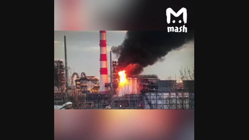 Пожар на территории НПЗ в Москве