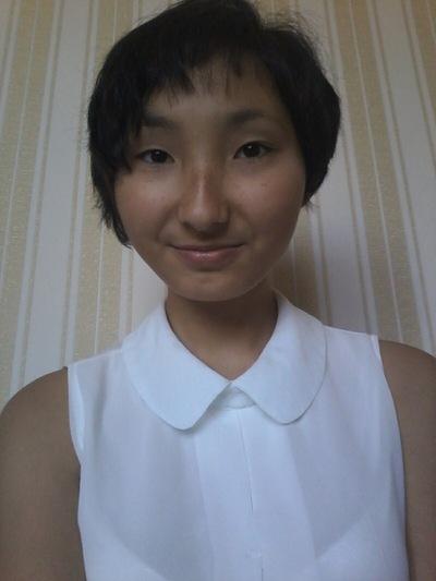 Лаура Кустаубаева, id128324706