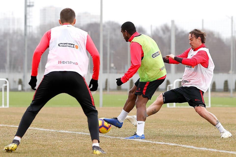 Ещенко и Фернандо тренируются без ограничений