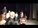 TДрузья у нас прекрасная новость Перед спектаклем Сирано де Бержерак нашему худруку Сергею Безрукову вручили диплом гран при