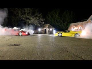 Две Ferrari F50 резвятся по просёлочным дорогам