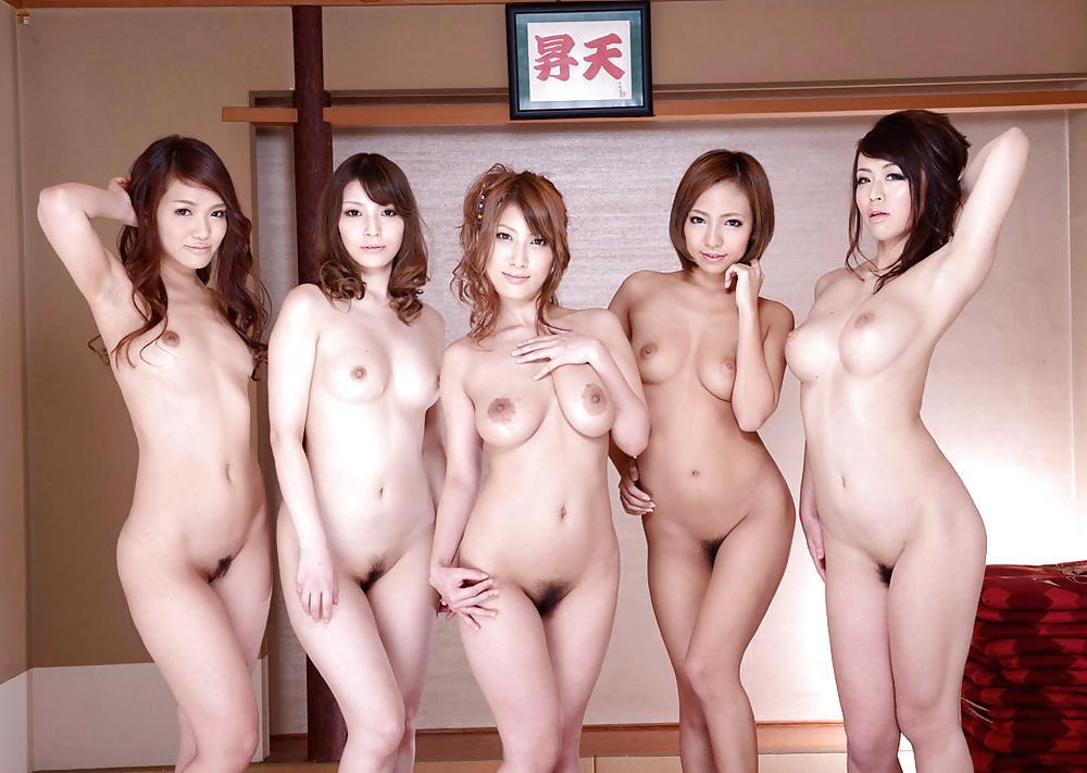 Фото японских женщин голых глотает