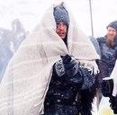— Люблю зиму, она так прекрасна…Хлопья снега так волшебно покрывают грязные улицы…