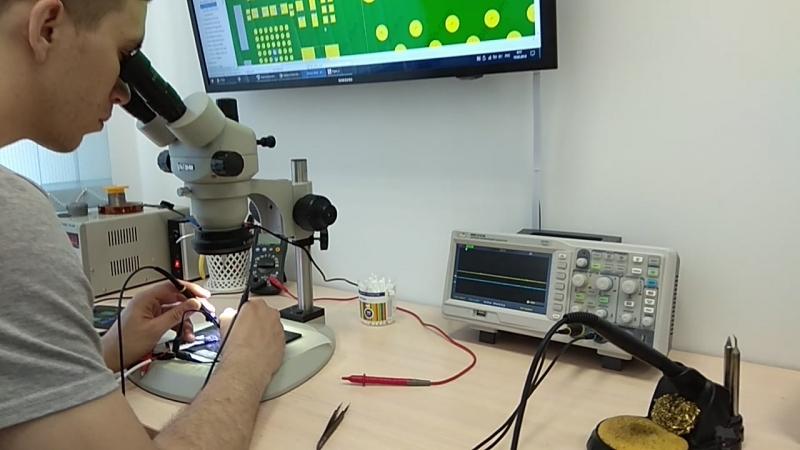 Диагностика платы iPhone, во время обучения bga пайке в bgacenter