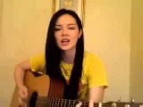 Таланты.  Красивая девушка  поет по английски  под гитару