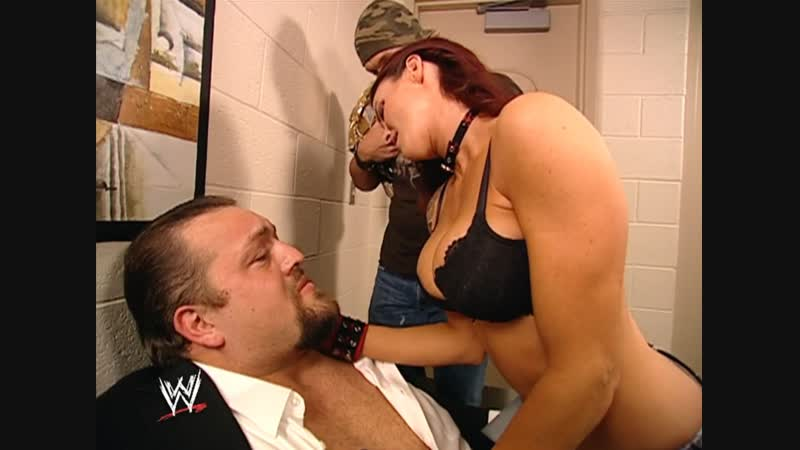 Lita seduced The Big Show