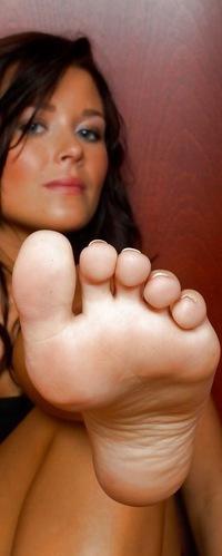 Фут фетиш ножки в сеточку фото 765-507