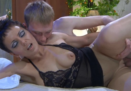 Необычное порно, с необычной девушкой.