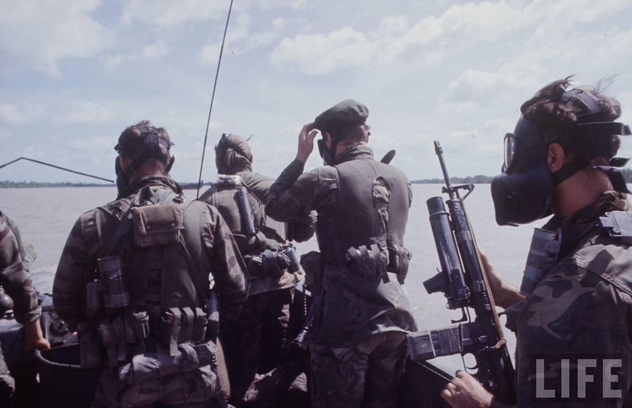 guerre du vietnam - Page 2 4pK7_ArBeM0