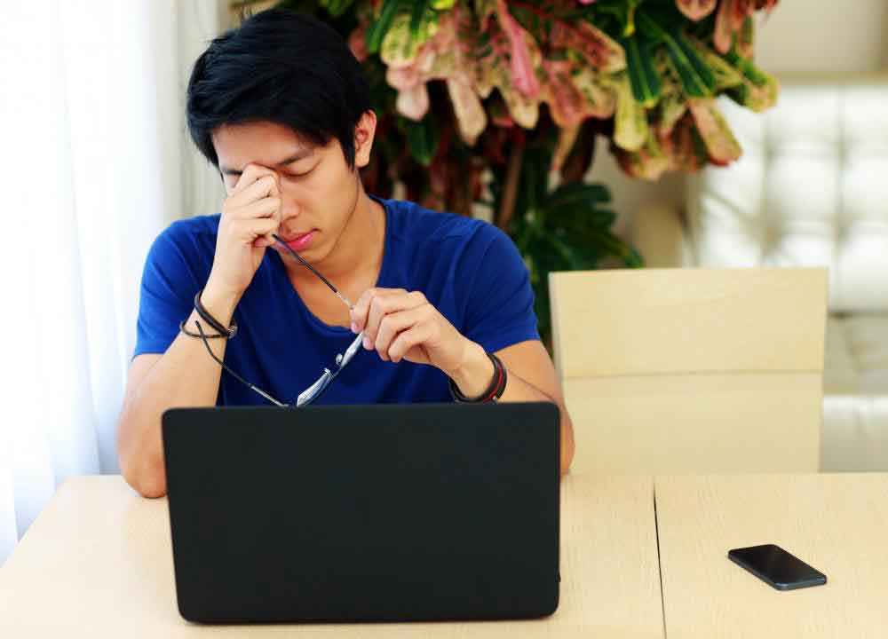 Синдром хронической усталости вызывает симптомы, похожие на фибромиалгию.