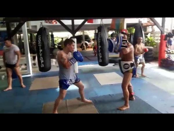 Тайский бокс. Работа на падах. БУЛАТ в