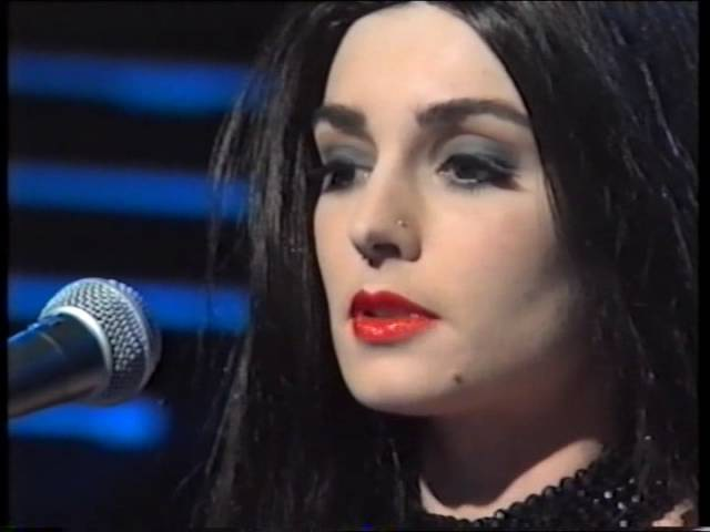 Sinead O'Connor - Make Me a Channel of Your Peace - Late Late Show 26/03/93