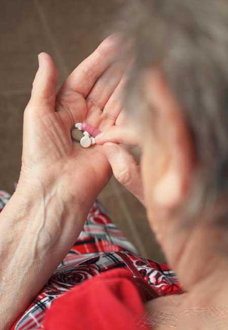 Можно принимать лекарства, чтобы помочь пациенту справиться с гипертонической болезнью.