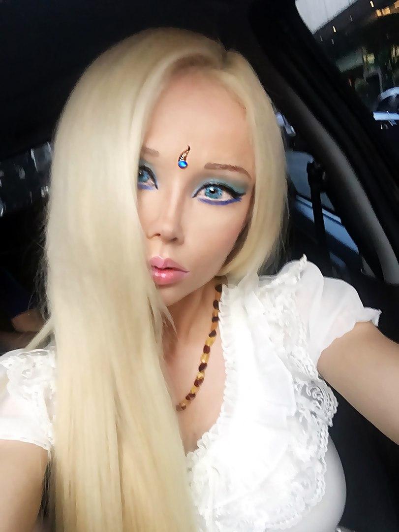 valeria lukyanova instagram - HD811×1080