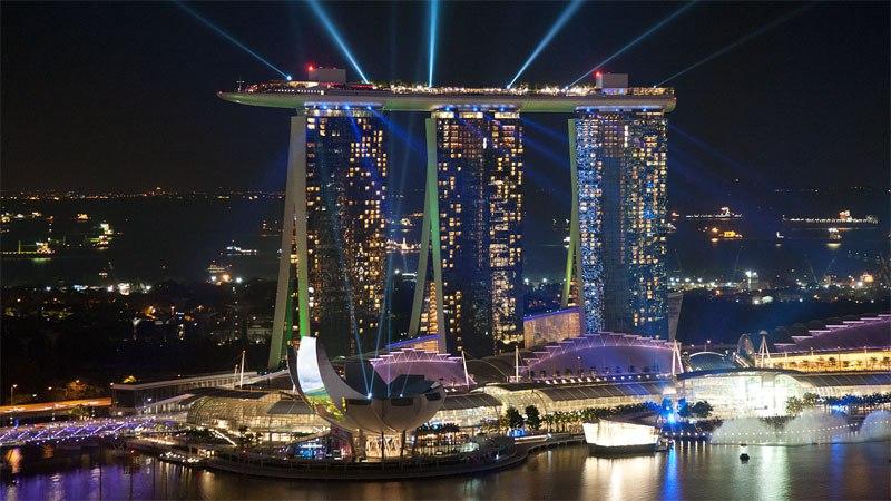 Отель Марина Бэй Сэндс в Сингапуре.