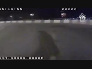 Момент наезда 15-летней челябинки на инспектора ДПС попал на видео