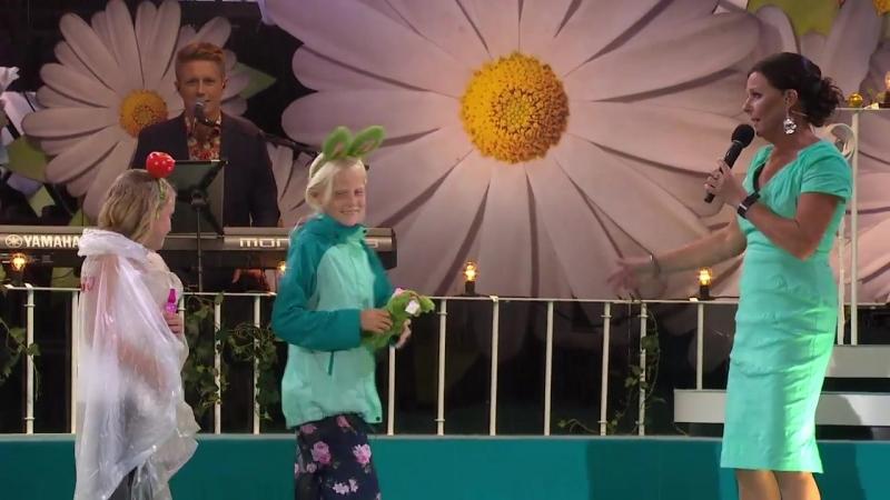 Frida och Malva Gör Succé I Lottas Introtävling Lotta på Liseberg 09 07 2018