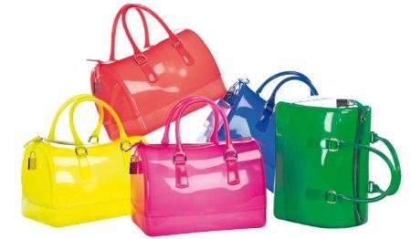Итальянская марка Furla заявила о 12% увеличении своего оборота в 2012 году, а основатель Net-A-Porter Натали Массне