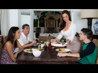 Kendra Lust - Kendra's Thanksgiving Stuffing [MilfsLikeItBig.com / Brazzers.com]