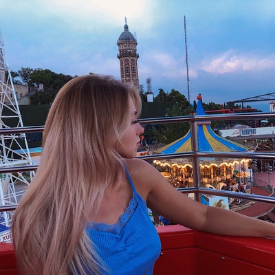 Анастасия Манузо