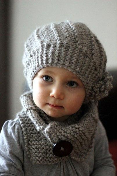 Шапочка и шарфик спицами для