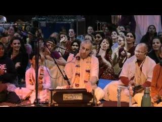 Kirtan Mela Nama Yagna with H.H. Niranjana Swami Bonus: Motivational Swamis Dance! 01.09.2011