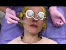 Врач косметолог Серебрякова Татьяна Юрьевна выполняет процедуру на аппарате М22
