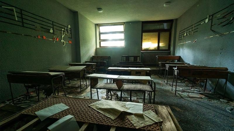 Abandoned Dark School of Arts Religious Boarding School Exploration