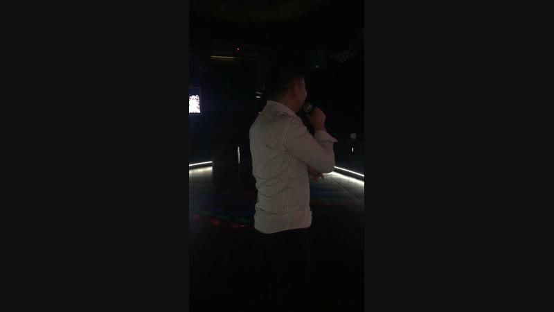 Мой муж любит петь 🎤🙈
