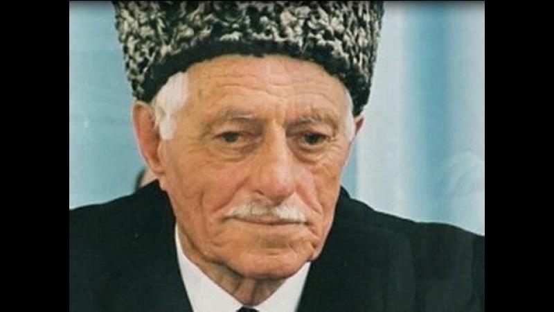 Почитатели творчества Абузара Айдамирова вспоминают великого писателя Чечня.