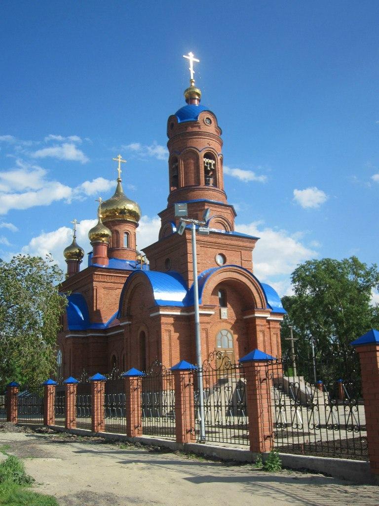 Полетаево, церковь, 2014 май, вид с северо-запада (из-за забора) (03.07.2014)