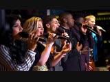 Kelly Clarkson &amp Pentatonix - Grown Up Christmas List (Live)