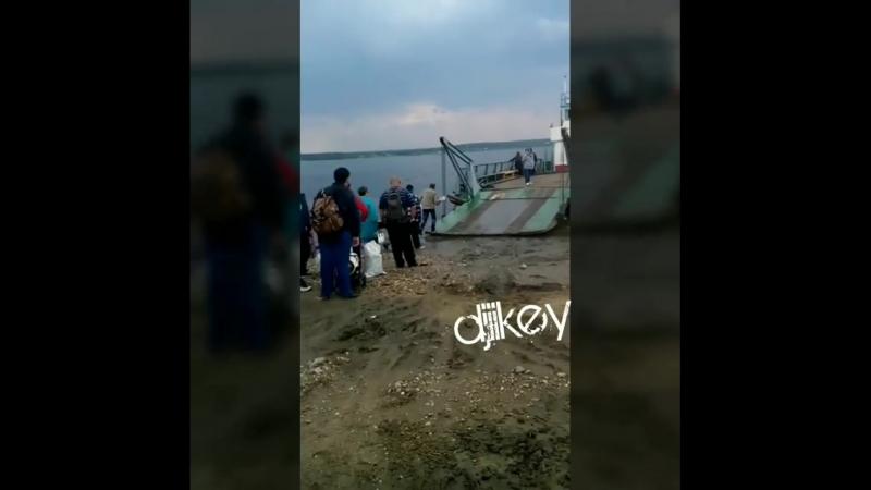 Как жители Олекминского района стали заложниками нетрезвых паромщиков