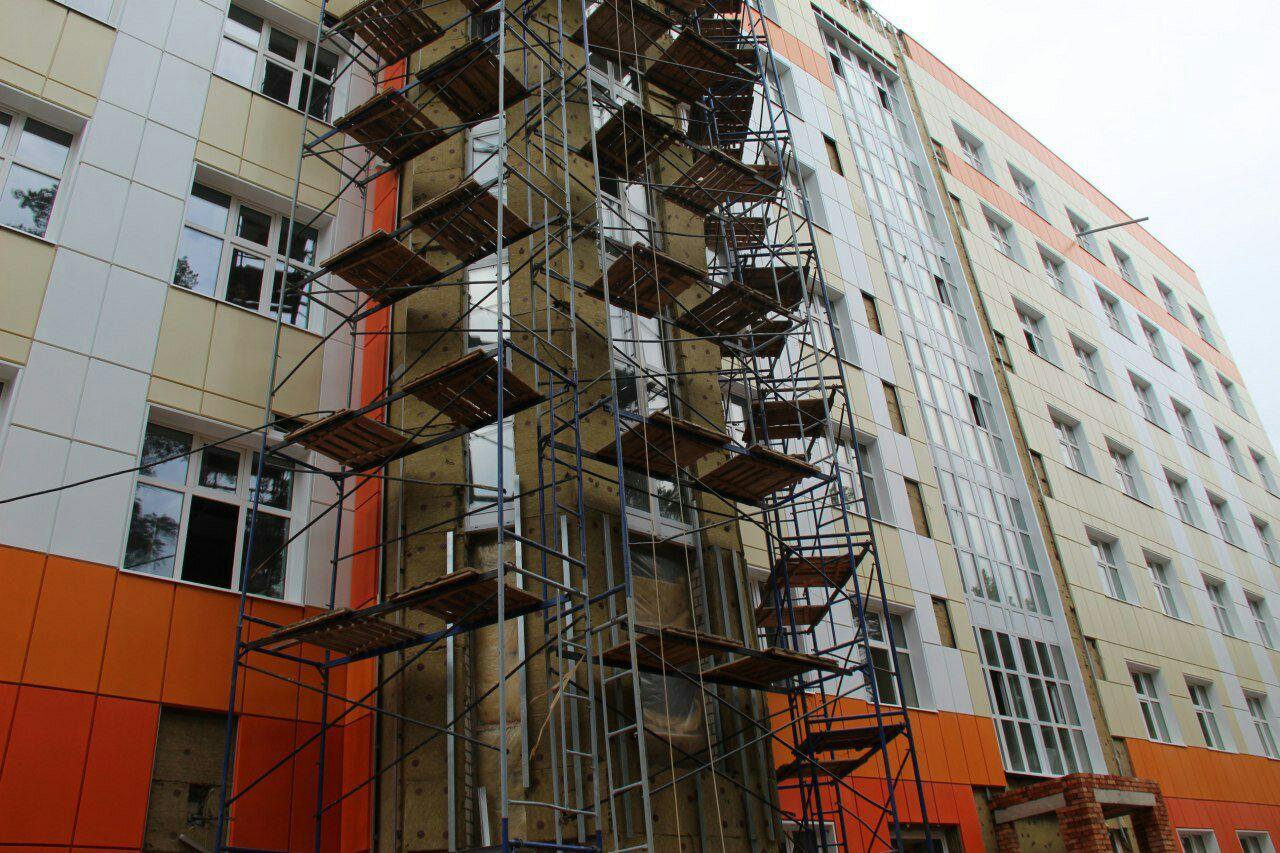 Строительство семиэтажного лечебного корпуса в Дубне завершат на следующей неделе