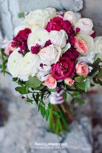 Из нежных ранункулюсов пионов и роз