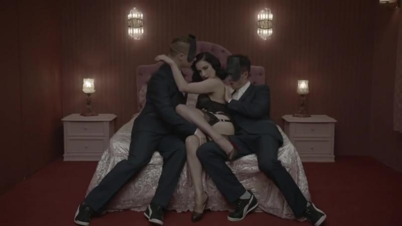 Monarchy Disintegration ft Dita Von Teese бельё кружева fetish bdsm femdom фетиш 18 эротика чулки boobs стриптиз